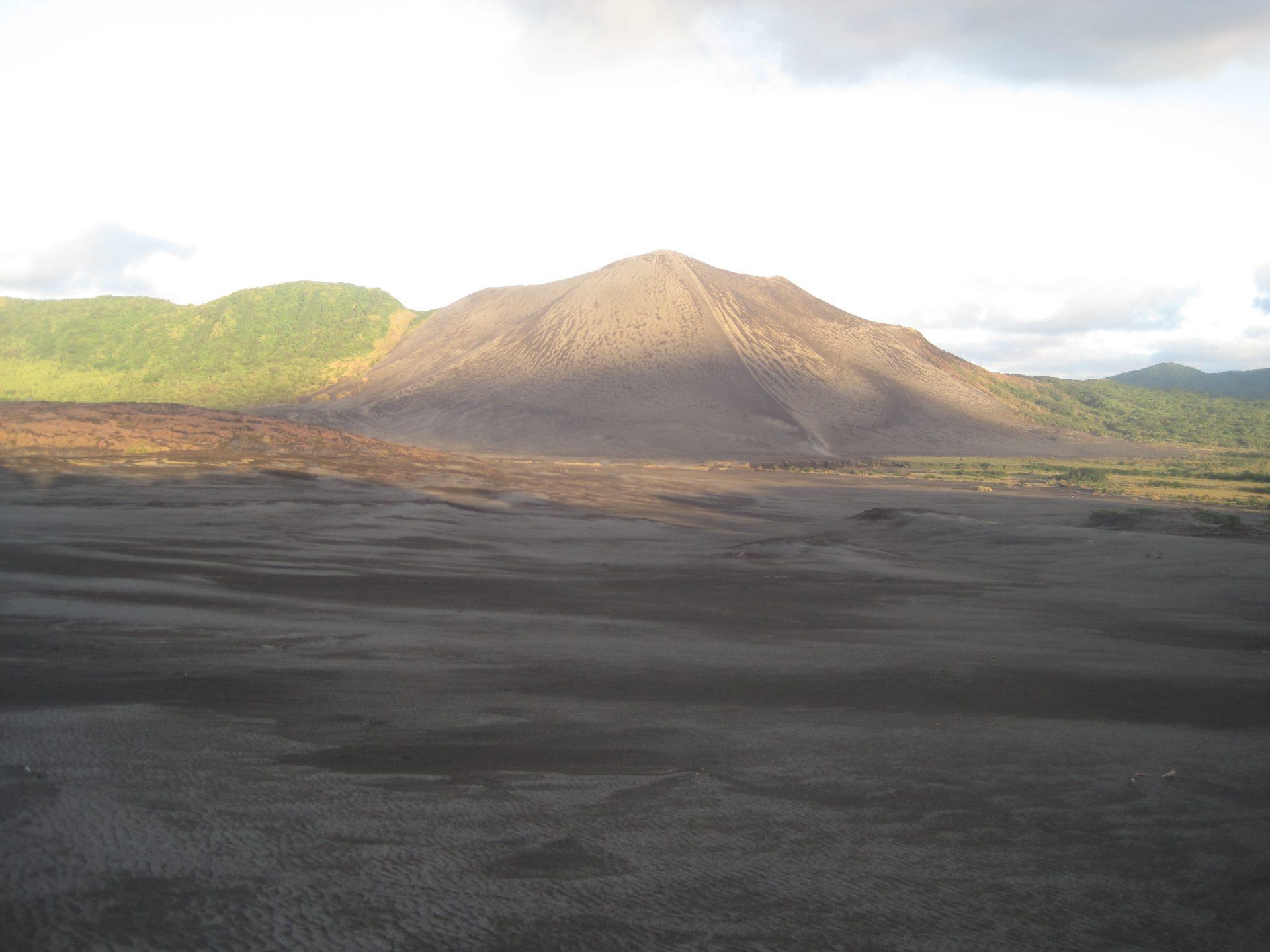 Image of Mount Yasur in Vanuatu